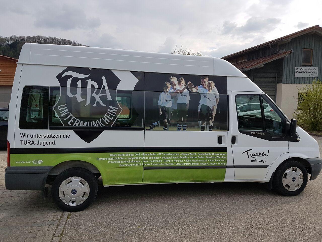 IEin echter Hingucker – der neue TURA-Vereinsbus